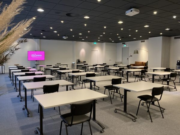 Schoolopstelling The Edge / The Cube